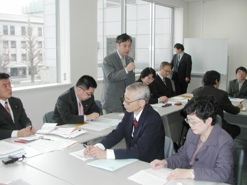 肝炎患者団体と懇談