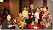 葵会60周年参加者と記念写真