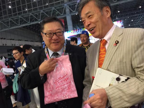 ニコニコ超会議角谷さんとTシャツ