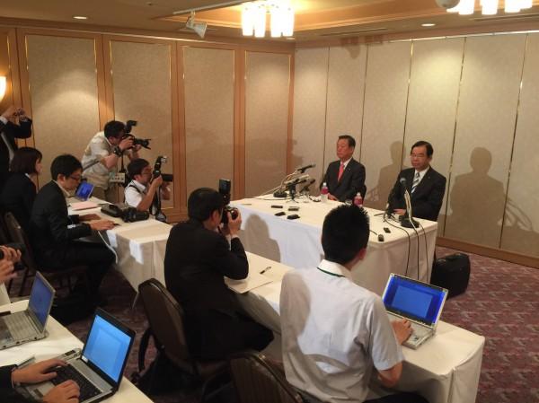 金沢市での共同会見