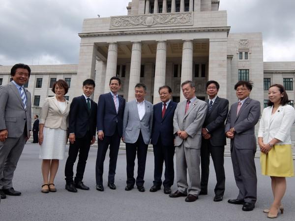 桜井充野党統一候補と共産党議員