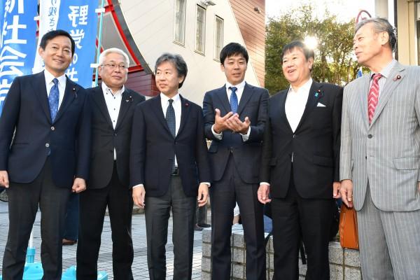 穀田3236 20191104 高知・共同宣伝 国対委員長揃い踏み