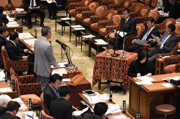 DSC_9539 20200210 予算委員会